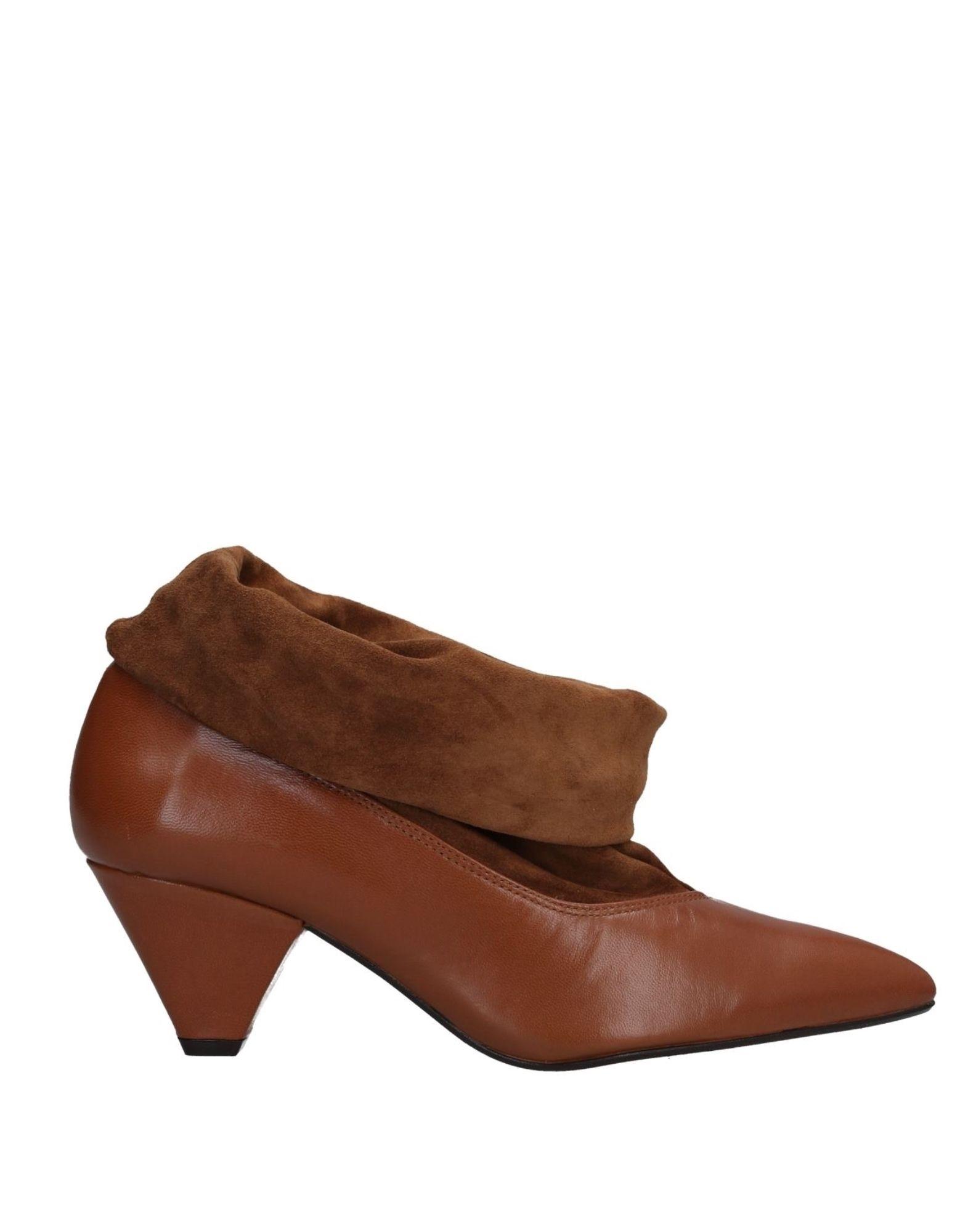 KMB Полусапоги и высокие ботинки