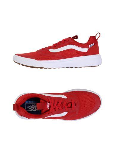 Фото - Низкие кеды и кроссовки красного цвета