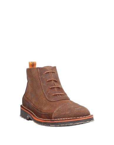 Фото 2 - Полусапоги и высокие ботинки от TONI PONS коричневого цвета