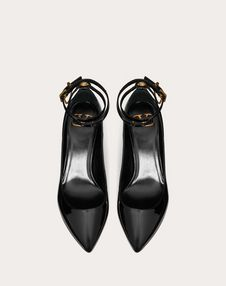 Patent leather pump with chain detail 70 mm