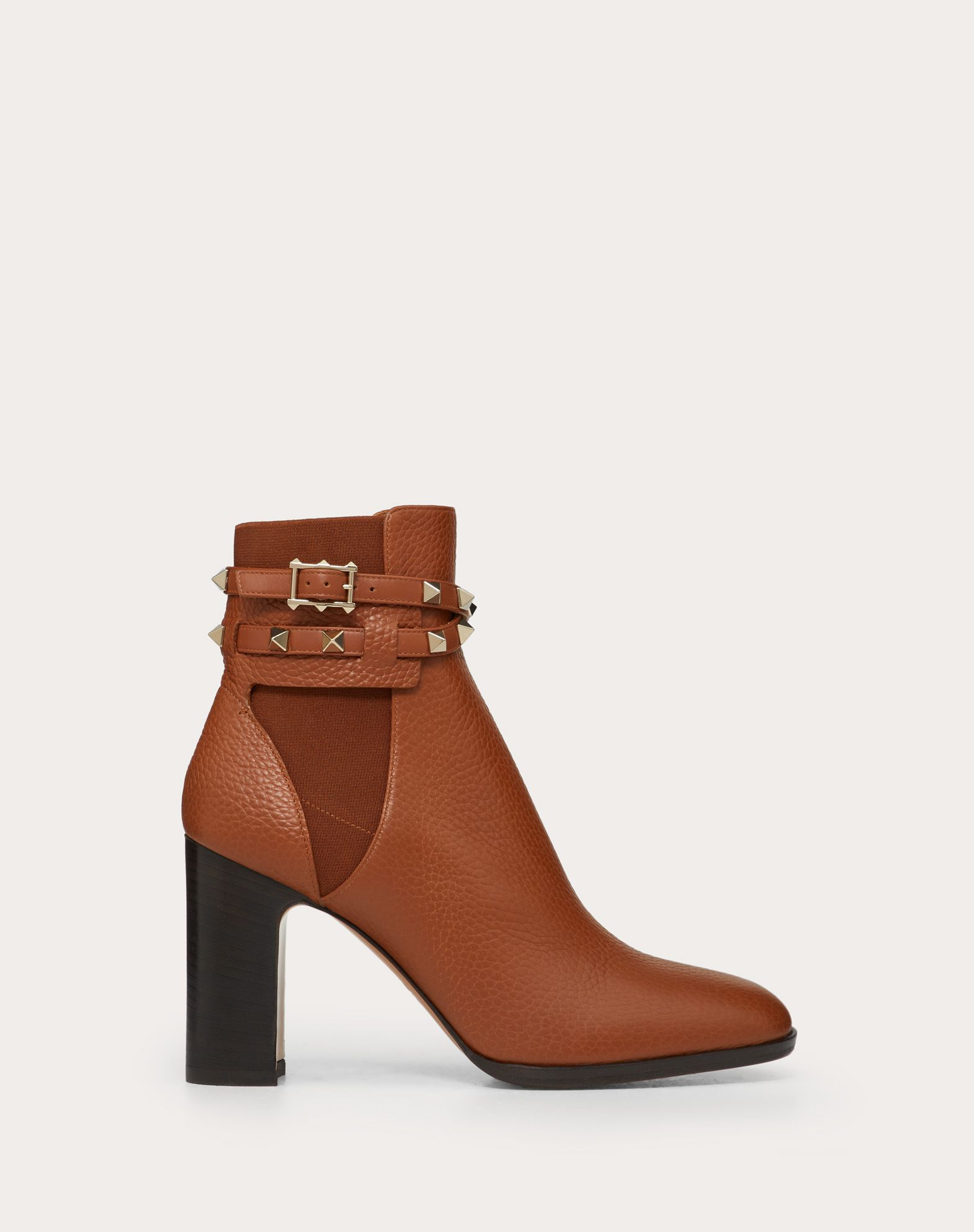 Rockstud Grainy Calfskin Leather Ankle Boot 90 mm