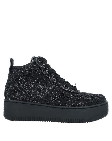 Фото - Высокие кеды и кроссовки от WINDSOR SMITH черного цвета