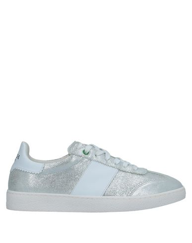 Фото - Низкие кеды и кроссовки от WOMSH серебристого цвета