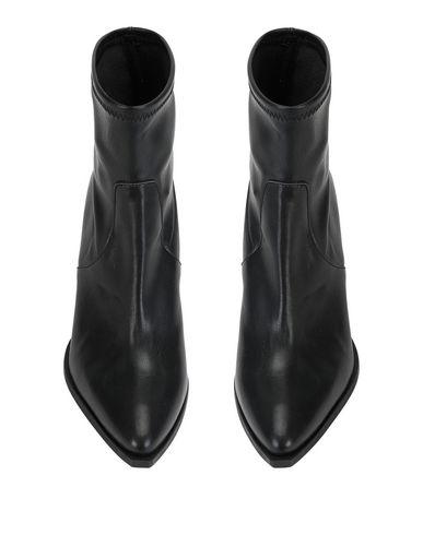 Фото 2 - Полусапоги и высокие ботинки от 8 by YOOX черного цвета