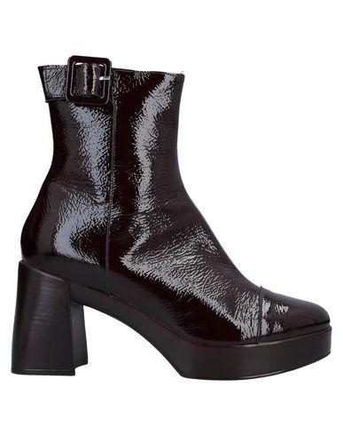 Купить Полусапоги и высокие ботинки от JEANNOT красно-коричневого цвета