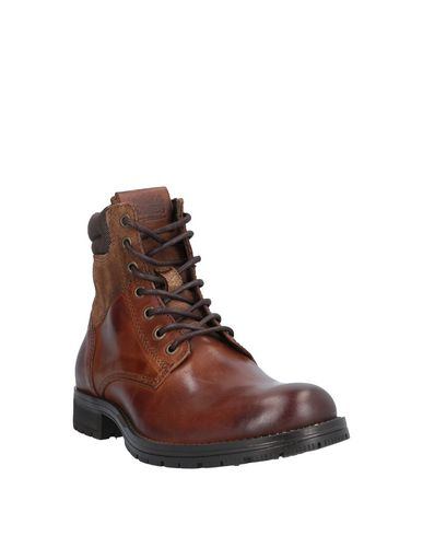 Фото 2 - Полусапоги и высокие ботинки коричневого цвета