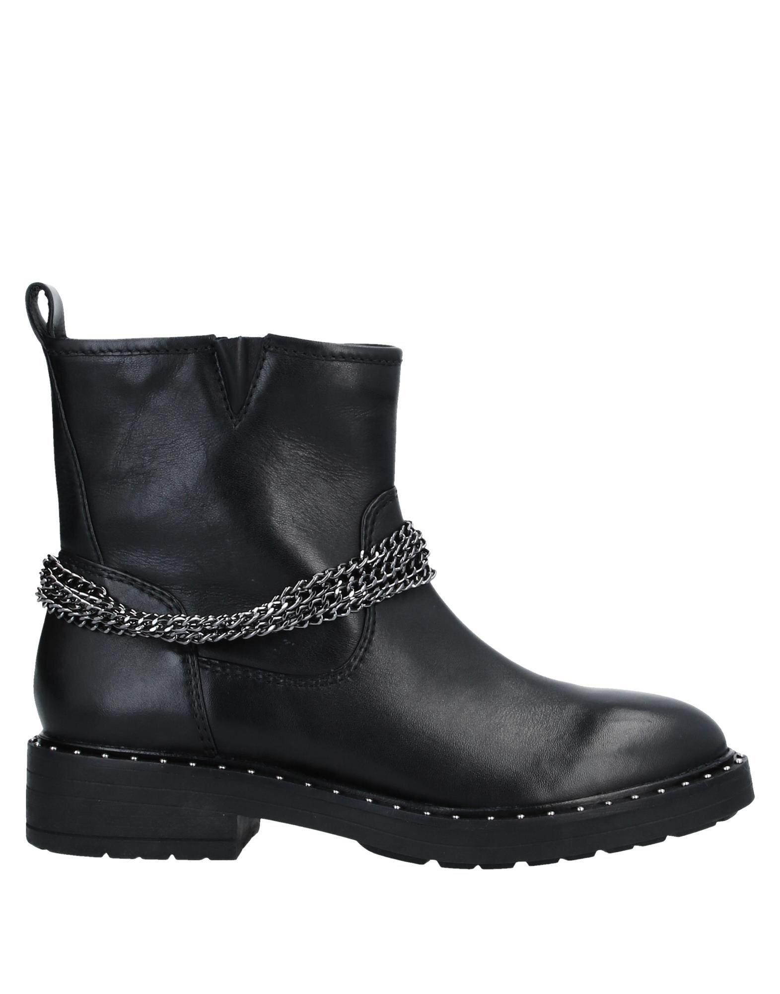 D★KATE Полусапоги и высокие ботинки