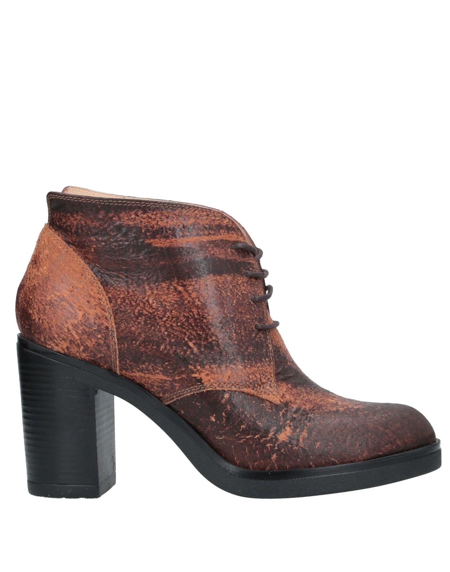 женская зимняя спортивная обувь