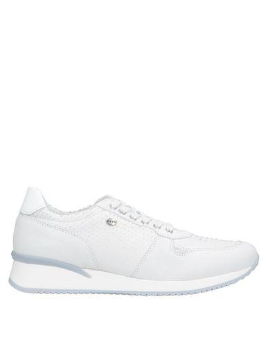 Фото - Низкие кеды и кроссовки от KEYS белого цвета