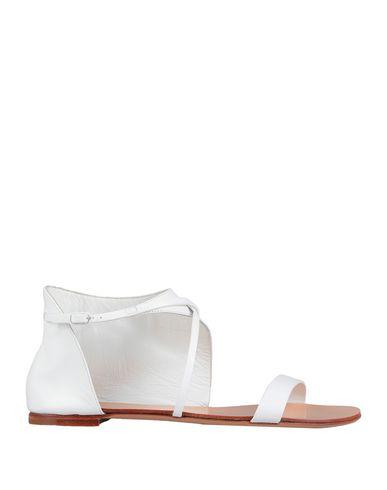 Купить Женские сандали  белого цвета