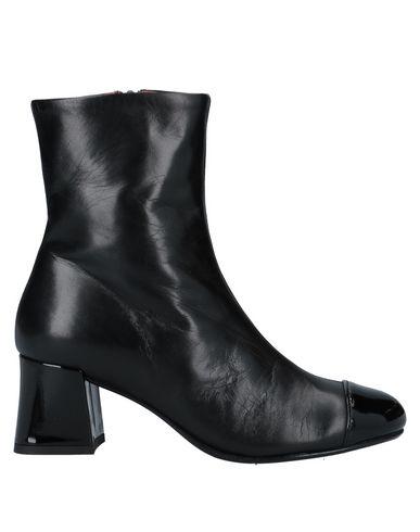 Купить Полусапоги и высокие ботинки от BAGATT черного цвета