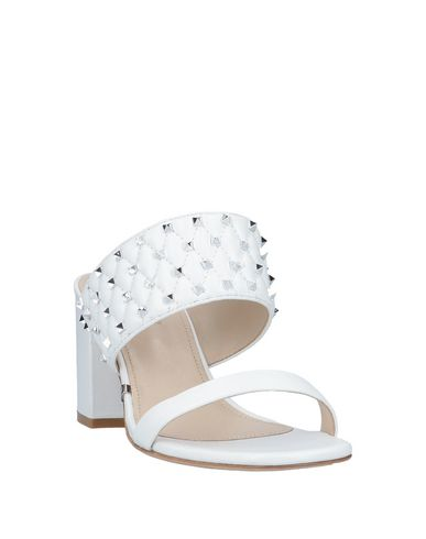 Фото 2 - Женские сандали GIANNI RENZI®  COUTURE белого цвета
