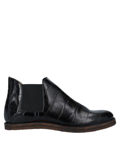 Купить Полусапоги и высокие ботинки от COLLECTION PRIVĒE? черного цвета