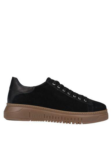 Купить Низкие кеды и кроссовки от GE.13 Napoli черного цвета