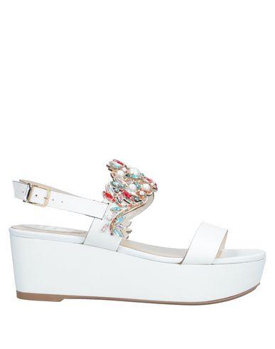 Фото - Женские сандали  белого цвета