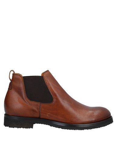 Купить Полусапоги и высокие ботинки от RAPARO коричневого цвета