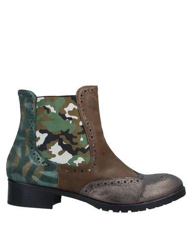Купить Полусапоги и высокие ботинки от EBARRITO бронзового цвета