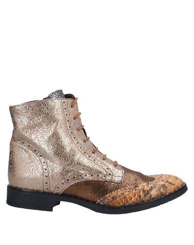 Купить Полусапоги и высокие ботинки от EBARRITO цвет песочный