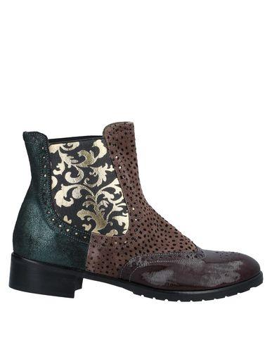Купить Полусапоги и высокие ботинки от EBARRITO красно-коричневого цвета