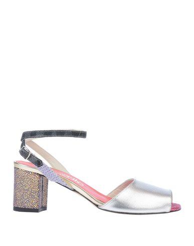 Купить Женские сандали EBARRITO серебристого цвета