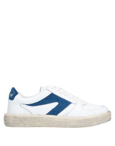 Фото - Низкие кеды и кроссовки от WALSH белого цвета