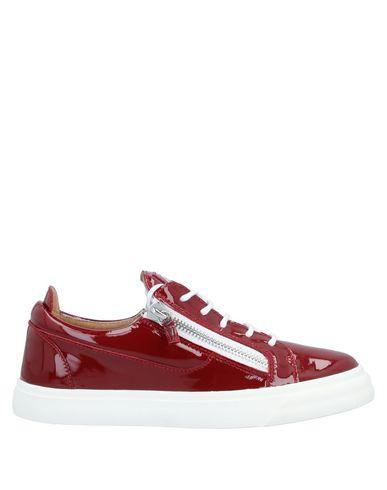 Купить Низкие кеды и кроссовки кирпично-красного цвета