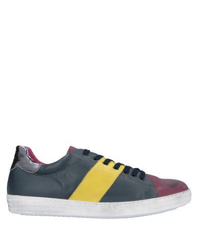 Купить Низкие кеды и кроссовки от EBARRITO светло-фиолетового цвета