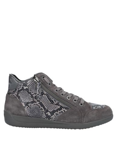 Купить Высокие кеды и кроссовки серого цвета