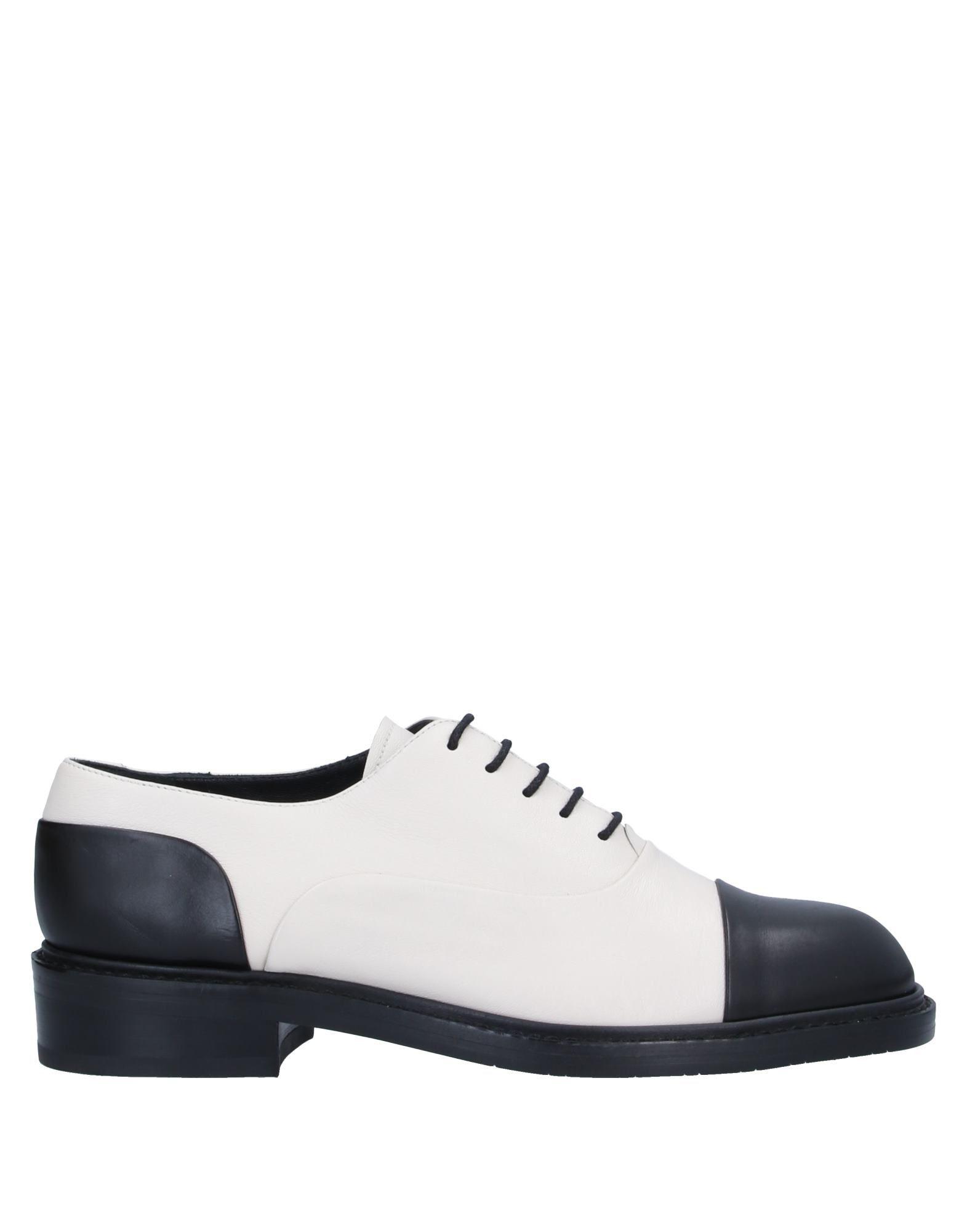 STUART WEITZMAN Обувь на шнурках