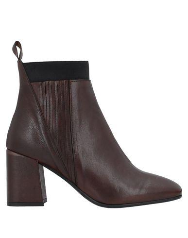 Купить Полусапоги и высокие ботинки от LE PEPITE темно-коричневого цвета