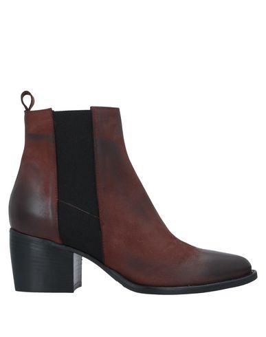 Купить Полусапоги и высокие ботинки от LE PEPITE коричневого цвета