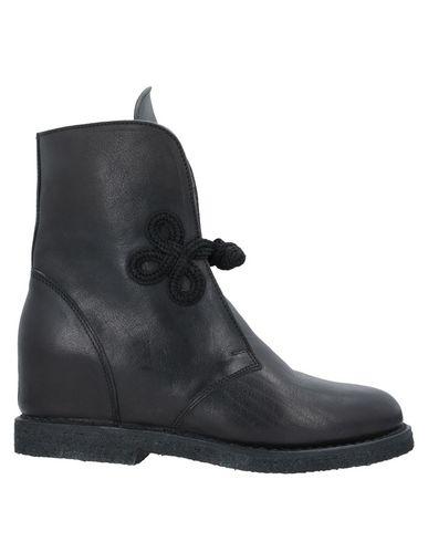 Купить Полусапоги и высокие ботинки от PASSION BLANCHE черного цвета