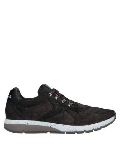 Купить Низкие кеды и кроссовки от VOILE BLANCHE темно-коричневого цвета