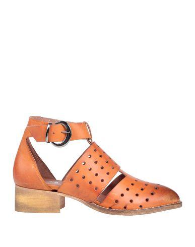 Купить Полусапоги и высокие ботинки от 1725.A желто-коричневого цвета
