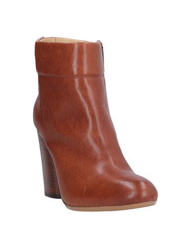 Фото 2 - Полусапоги и высокие ботинки от FIORIFRANCESI коричневого цвета