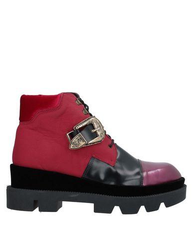 Купить Полусапоги и высокие ботинки от TIPE E TACCHI цвет пурпурный
