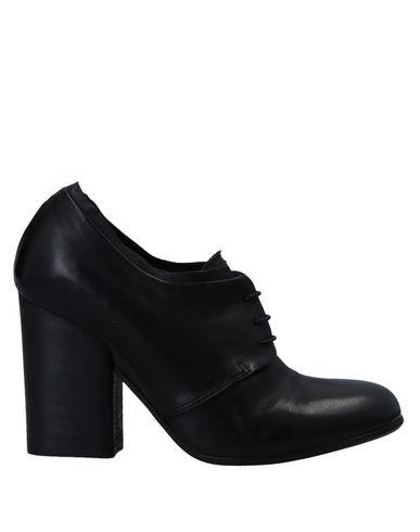 Купить Обувь на шнурках черного цвета