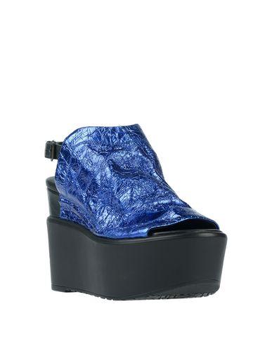 Фото 2 - Женские сандали  синего цвета
