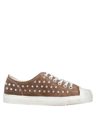 Фото - Низкие кеды и кроссовки от METAL GIENCHI коричневого цвета