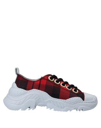 Низкие кеды и кроссовки