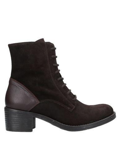 Купить Полусапоги и высокие ботинки от TSD12 темно-коричневого цвета