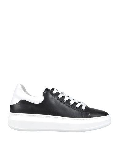 Купить Низкие кеды и кроссовки от TSD12 черного цвета