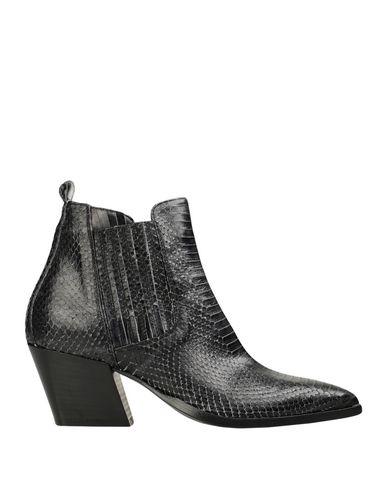 Фото - Полусапоги и высокие ботинки от LEMARÉ цвет стальной серый