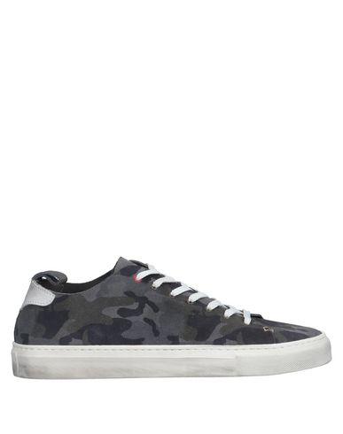 Купить Низкие кеды и кроссовки от WALLY WALKER серого цвета
