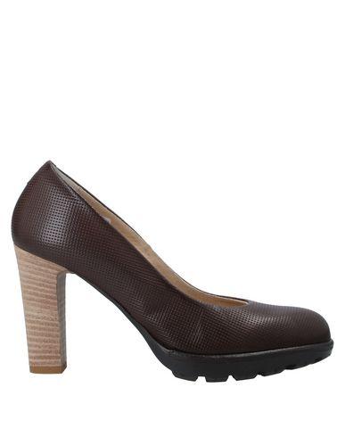Купить Женские туфли  темно-коричневого цвета
