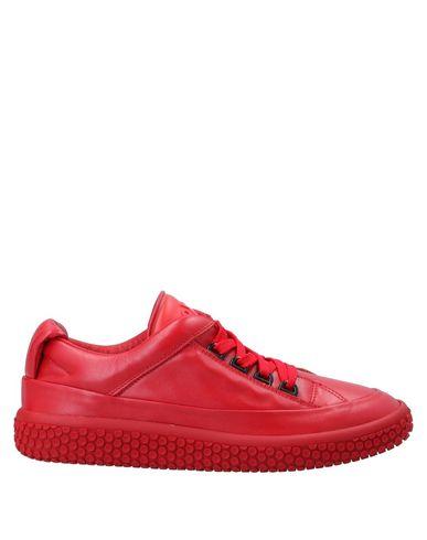 Купить Низкие кеды и кроссовки от O.X.S. красного цвета