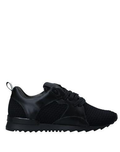 Купить Низкие кеды и кроссовки от D.A.T.E. черного цвета