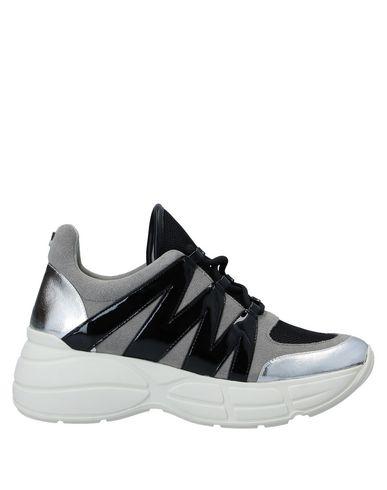 Купить Низкие кеды и кроссовки от STEVE MADDEN серого цвета