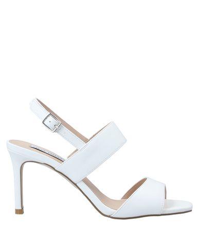 Купить Женские сандали STEVE MADDEN белого цвета