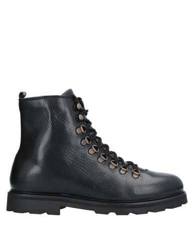Купить Полусапоги и высокие ботинки от ROYAL REPUBLIQ черного цвета